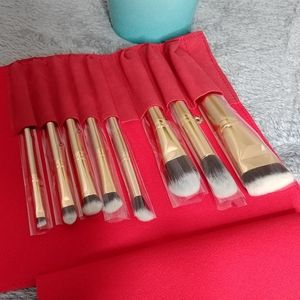 Luxie Glitter and Gold Brush Set with Red Pouch
